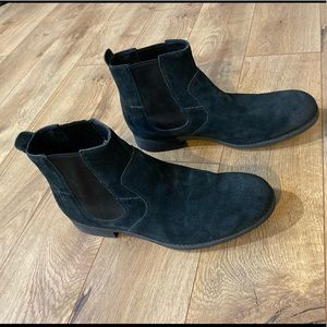 Men's Ugg suede chukka boots size 12